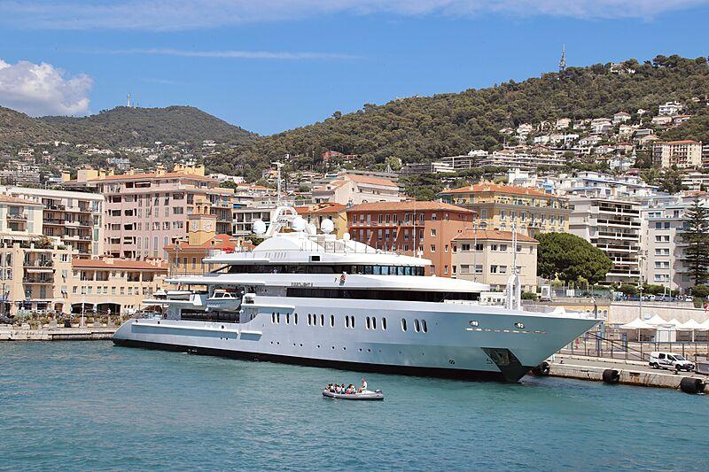 Moonlight II yacht in Nice