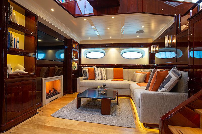 Grace III yacht saloon