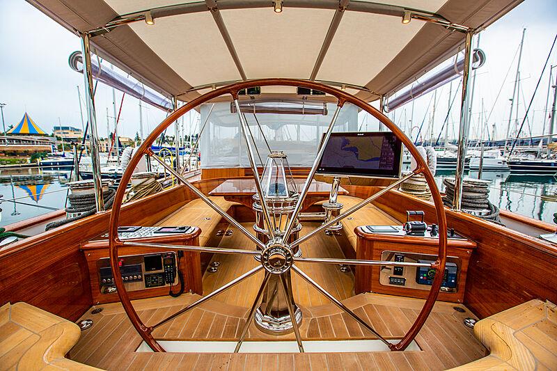 Grace III yacht wheel