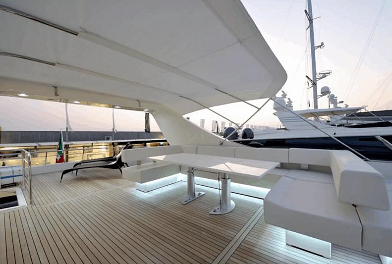 Liberata yacht flybridge