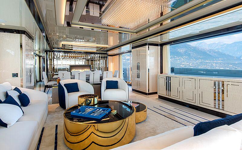 Stefania yacht saloon
