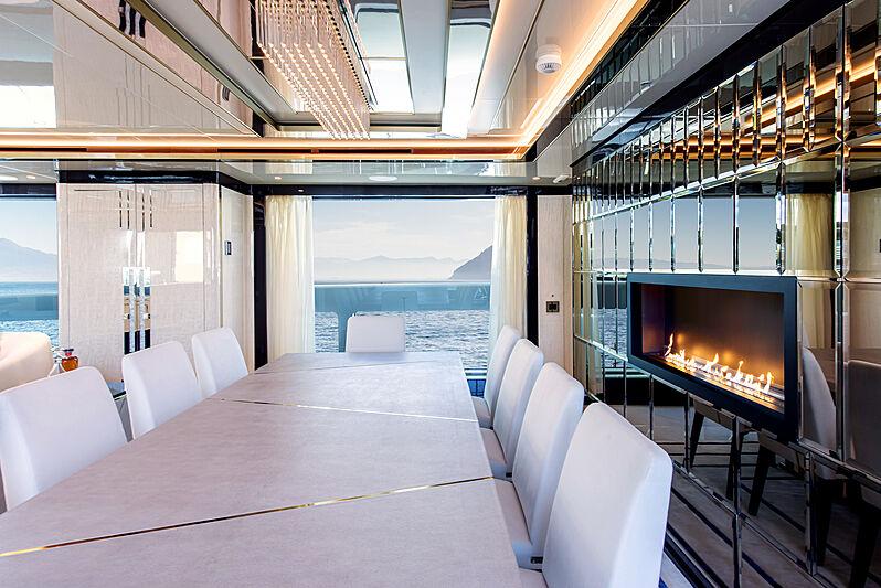 Stefania yacht dining