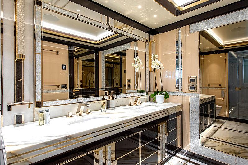 Stefania yacht bathroom