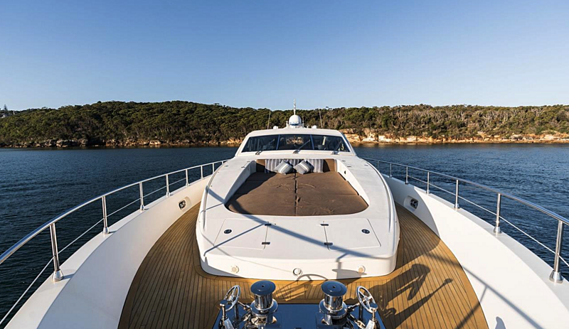 Paloma yacht foredeck