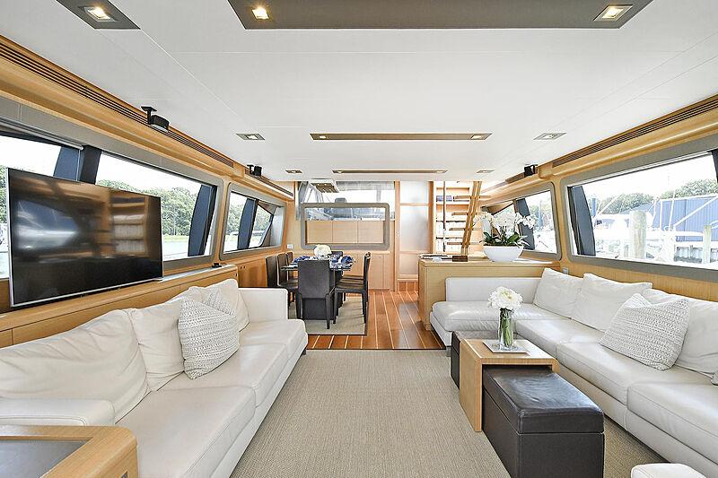 Montrachet yacht saloon