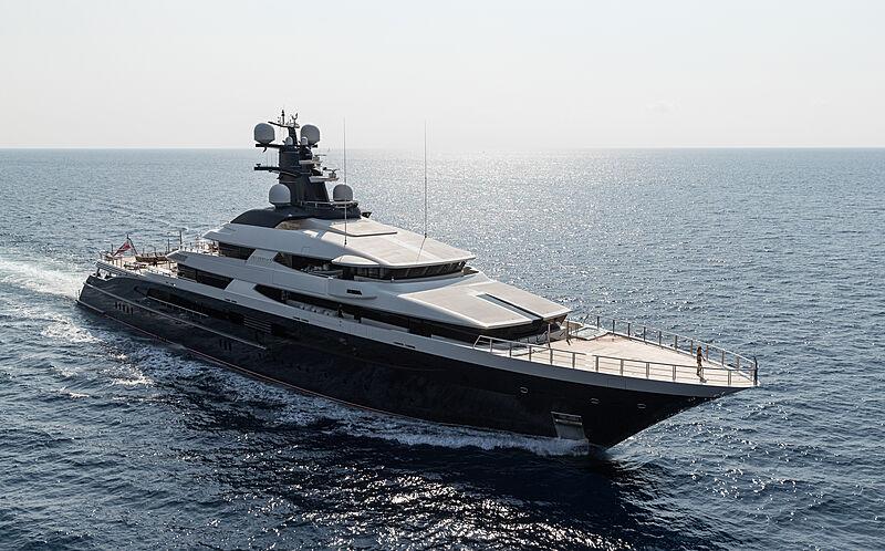 Tranquility yacht cruising