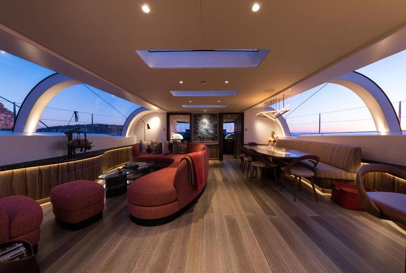 Ngoni yacht saloon