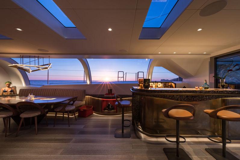 Ngoni yacht saloon/bar