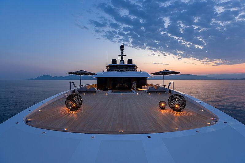 Cloud 9 yacht