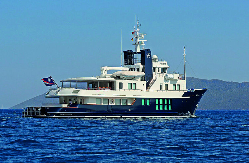 Jasmin yacht cruising