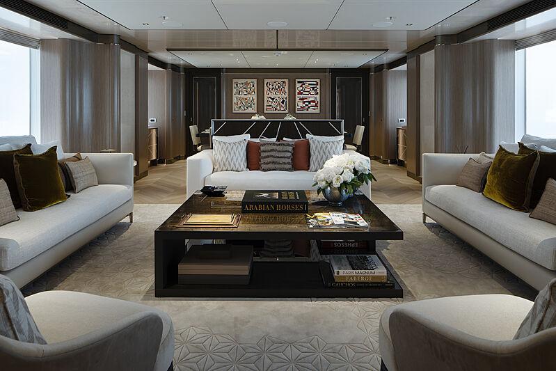 Moskito yacht saloon