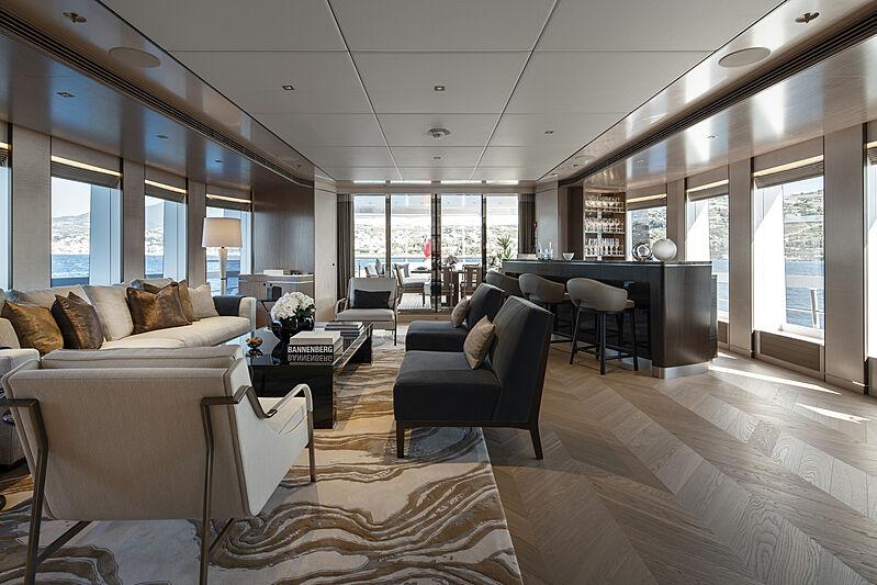 Moskito yacht lounge