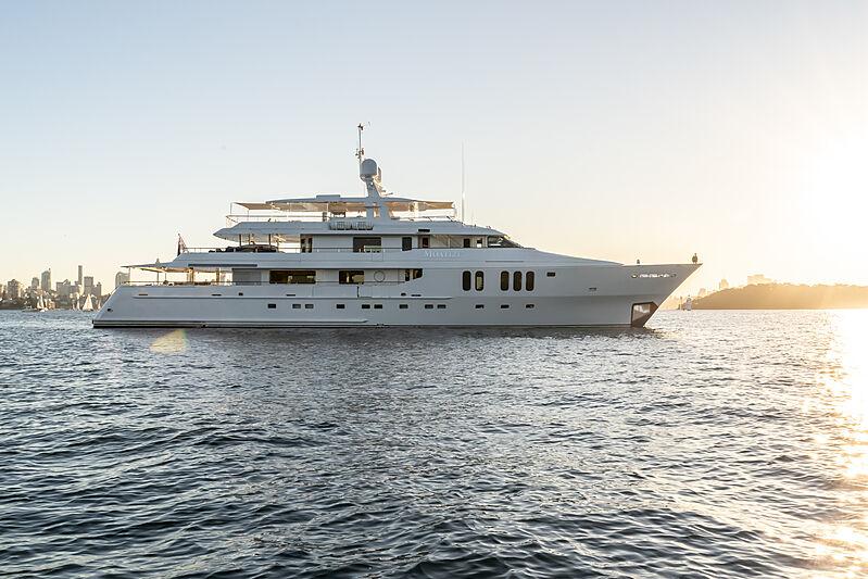 Moatize yacht anchored