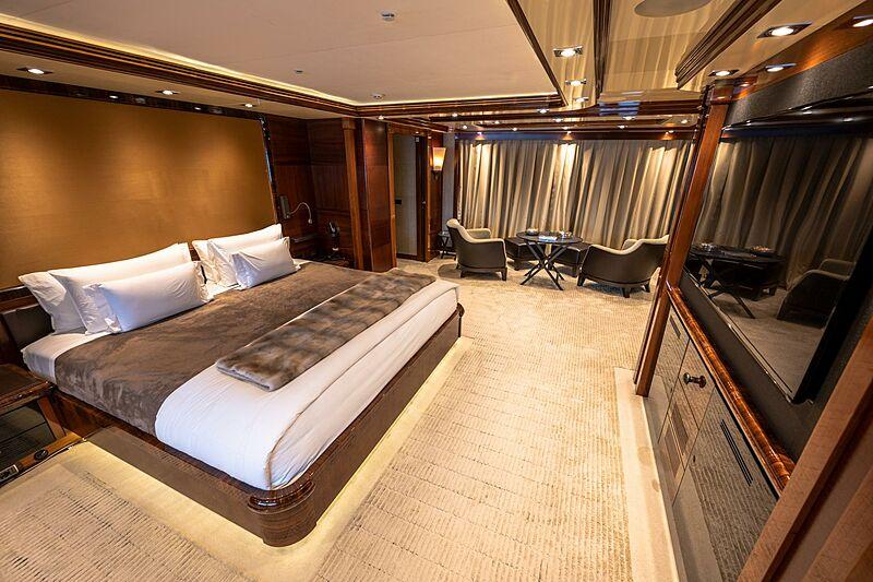 Azteca yacht stateroom