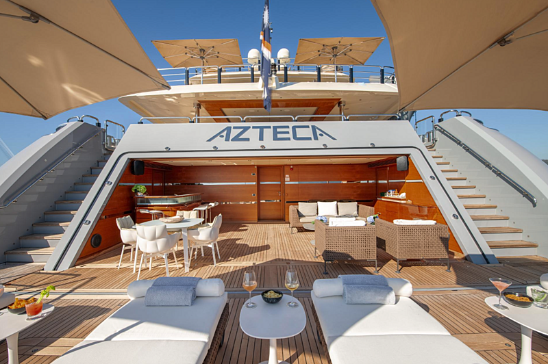 Azteca yacht beach club