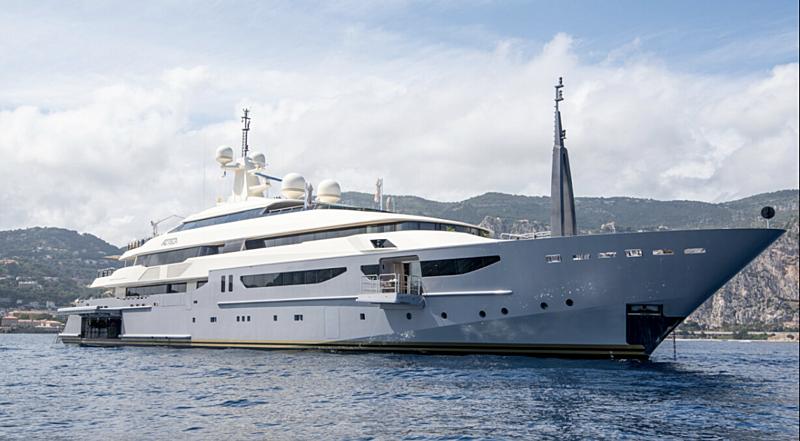 Azteca yacht anchored