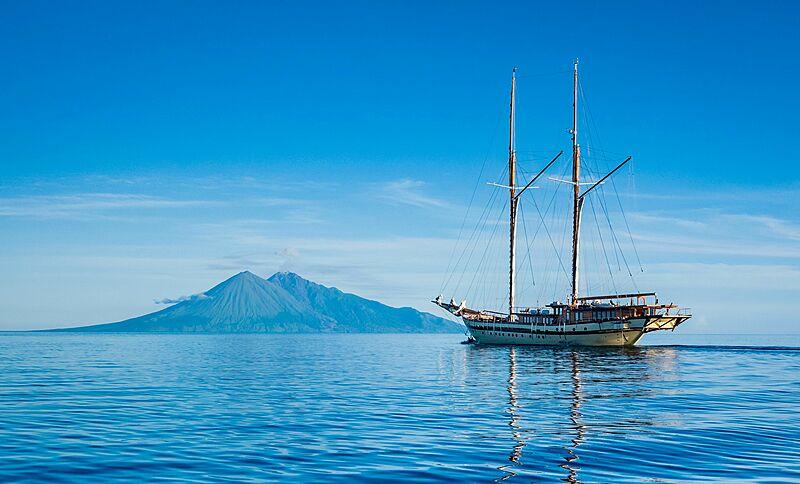 Lamima yacht cruising in Indonesia