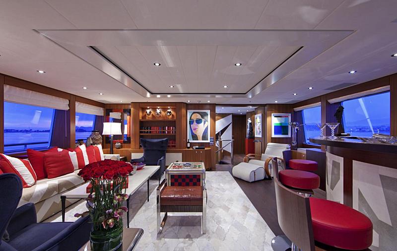Snowbird yacht saloon