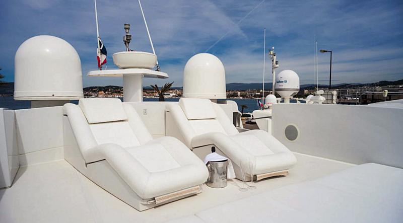 A&O yacht upper deck