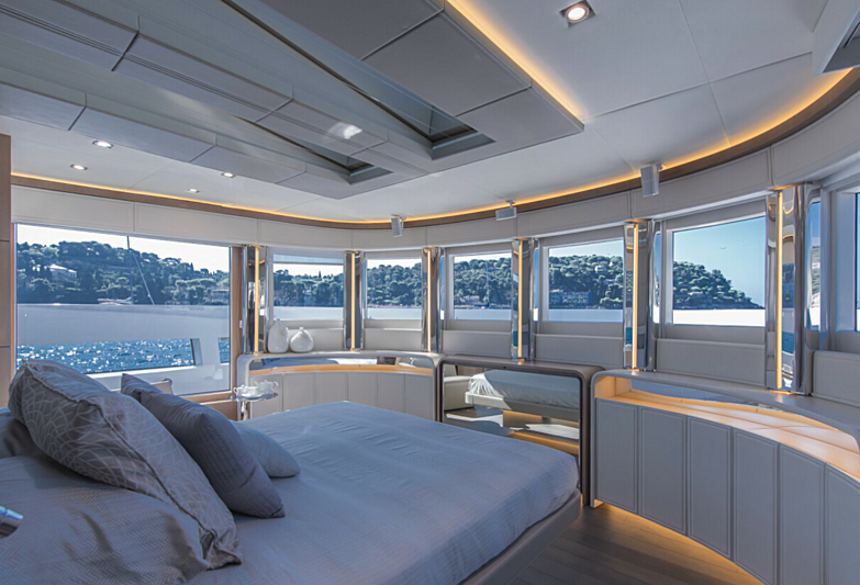 7 Seconds yacht stateroom