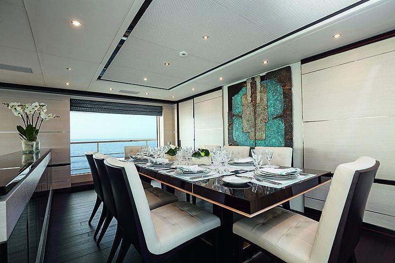 Inspiration yacht dining