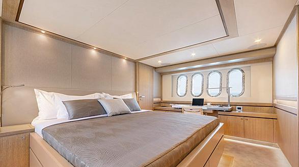 Helga yacht stateroom
