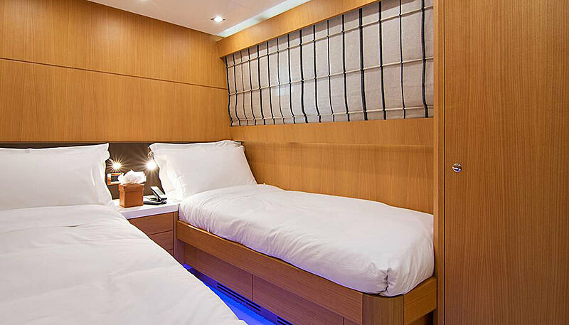 Habano yacht stateroom