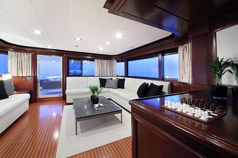 Lady Soul yacht saloon