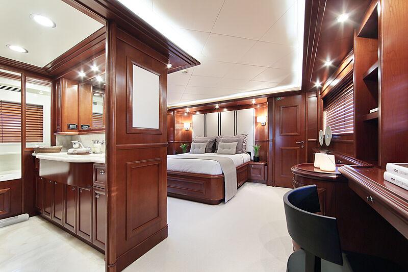 Lady Soul yacht stateroom