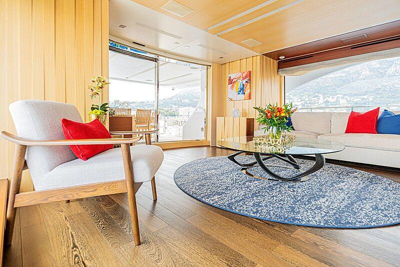 Kelly Ann yacht saloon