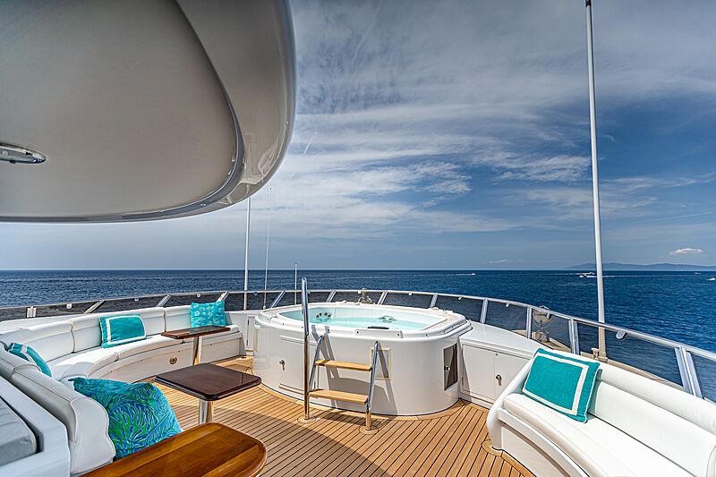Gitana yacht jacuzzi