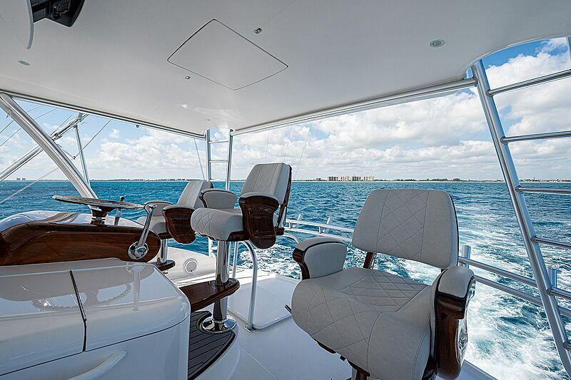 Ghost yacht flybridge