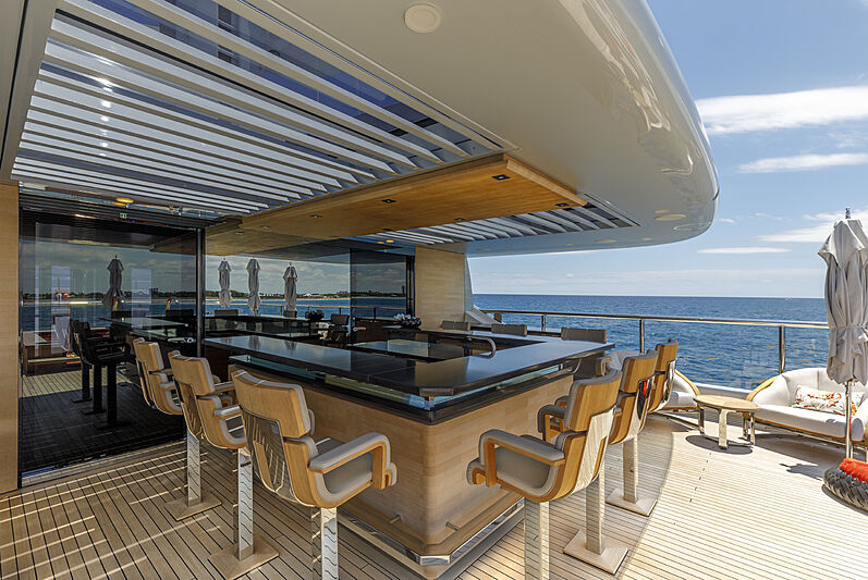 Atomic yacht bar