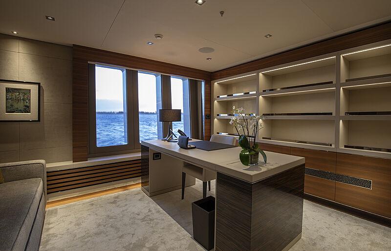 Atomic yacht study room