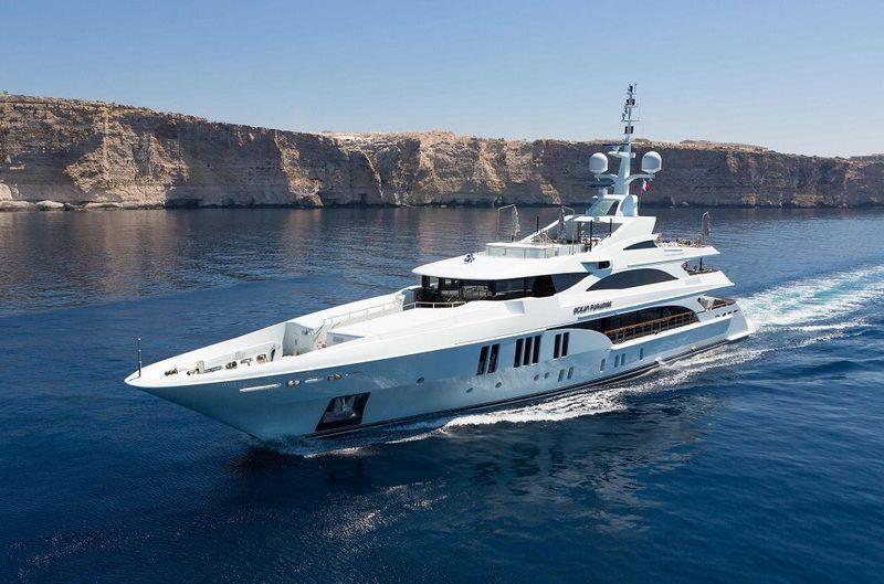 Ocean Paradise cruising