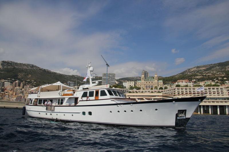 HEAVENLY DAZE yacht Feadship