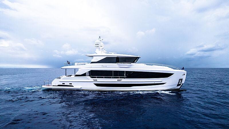 Tyee yacht cruising