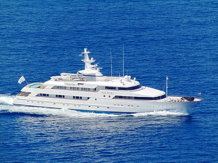 Paris yacht cruising off Mykonos