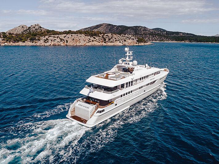 O'Ceanos yacht cruising