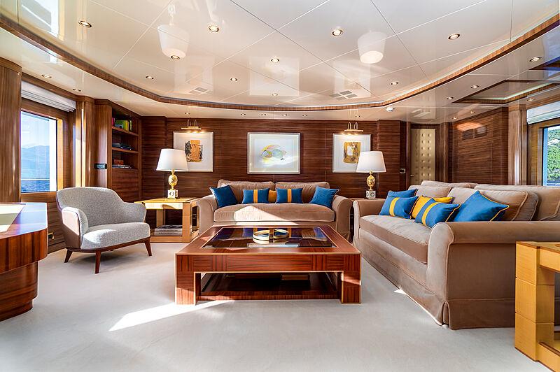 O'Ceanos yacht saloon