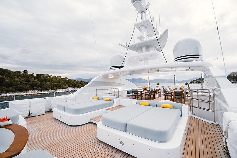 O'Ceanos yacht flybridge