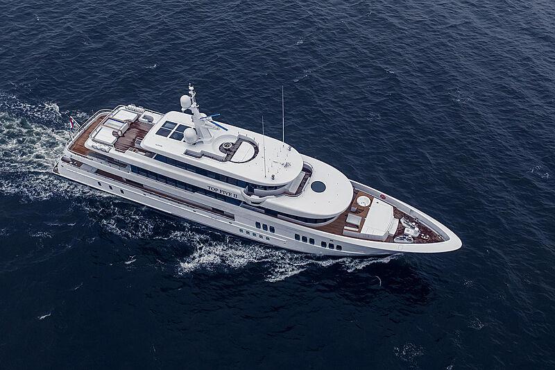 Top Five II yacht cruising