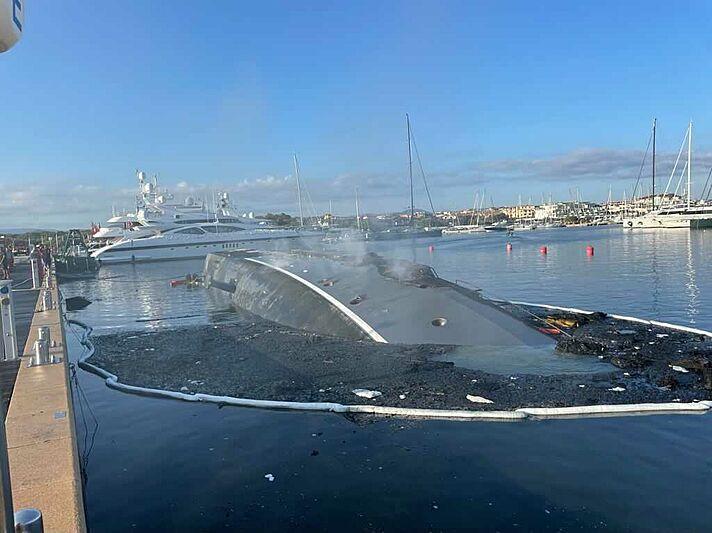 Siempre yacht wreck at Marina di Olbia