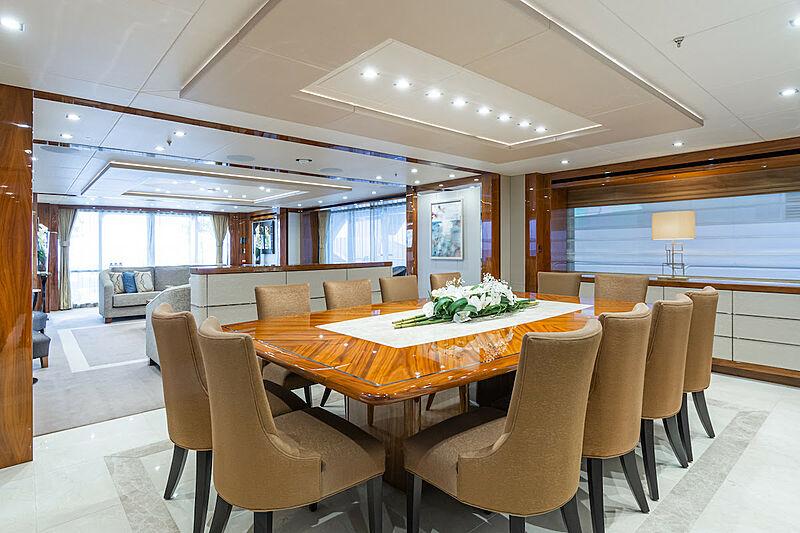 Princess AVK yacht dining room