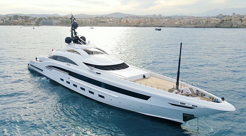 Yalla yacht anchored in Antibes