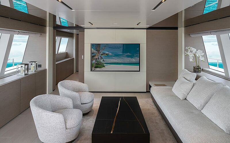 Adelia yacht saloon