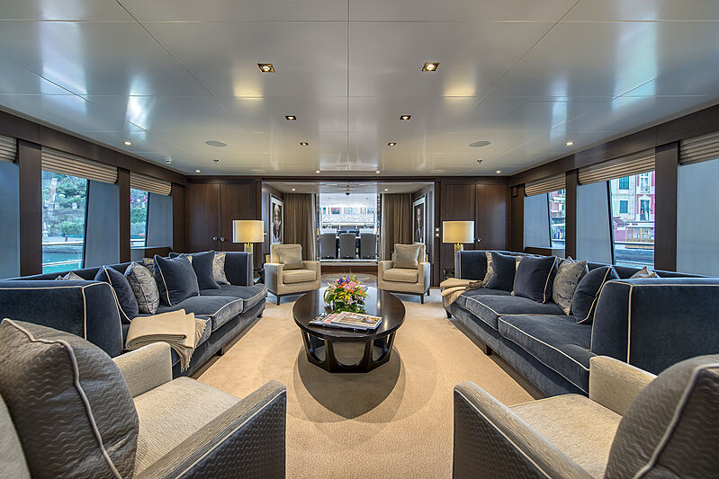 The Wellesley yacht saloon