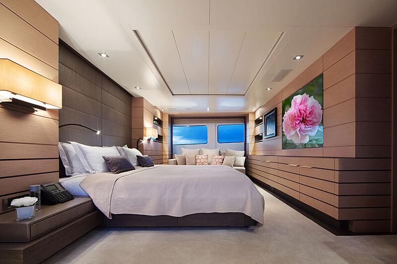 Dyna R yacht master stateroom