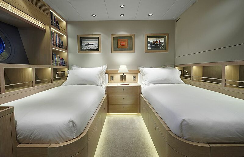 Imagine D yacht twin stateroom