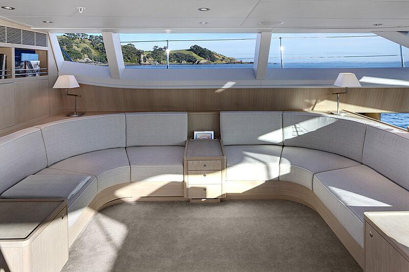 Imagine D yacht saloon